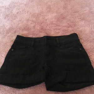 dELiA*s Mid Rise Black Shorts Size 1/2
